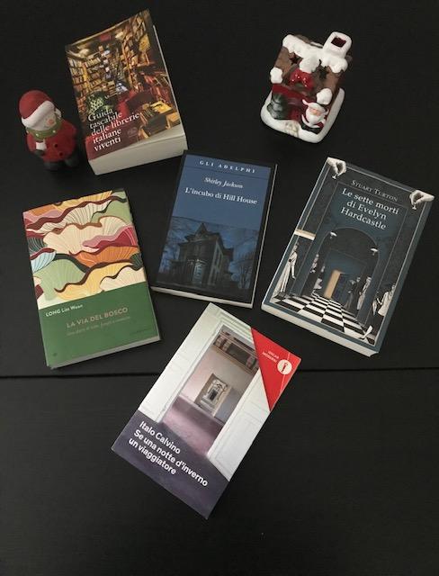 Cosa regalare a Natale: libri da regalare a Natale con oggetti natalizi