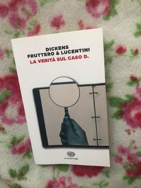 Copertina di La verità sul caso D. con sfondo coperta con rose